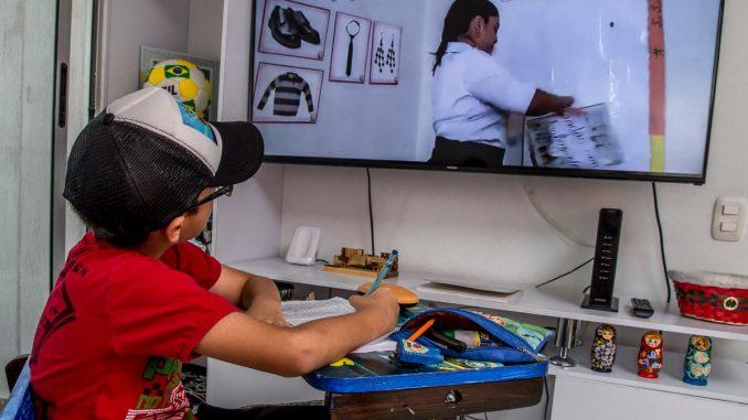 Mañana regresan las clases virtuales para colegios públicos y privados |  Q'hubo Medellín