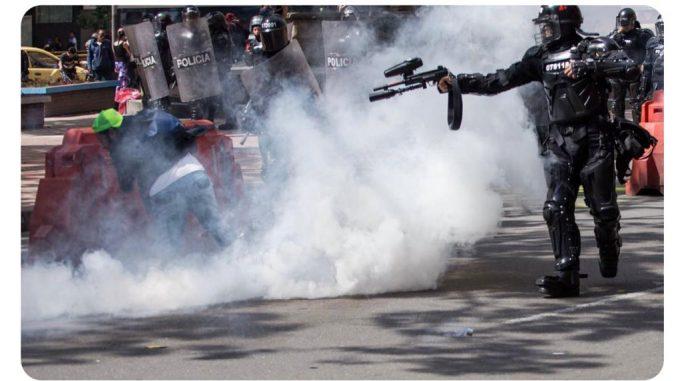 En redes hay denuncias, por montones, por abuso de las autoridades en las  marchas   Q'hubo Medellín