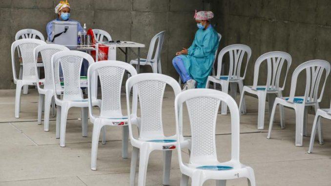 ¿Habrá nuevo pico en octubre por falta de vacunas? - Noticias de Colombia