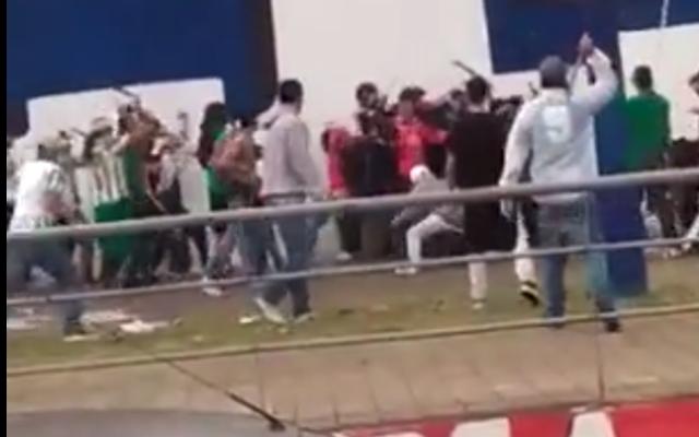 EN VIDEO: Riña con machetes entre hinchas en Itagüí dejó 4 lesionados